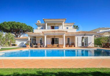 Spacious 4 Bedroom Villa