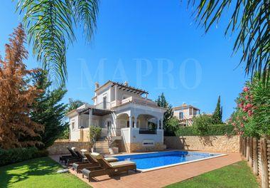 4 Bed Villa w/ Private Pool