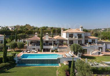 Breathtaking Luxury Manor